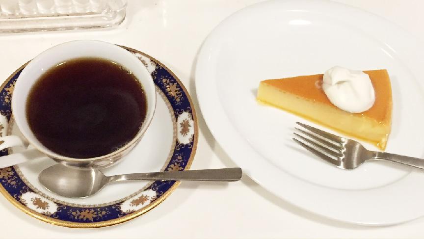 画像:コーヒーとお菓子